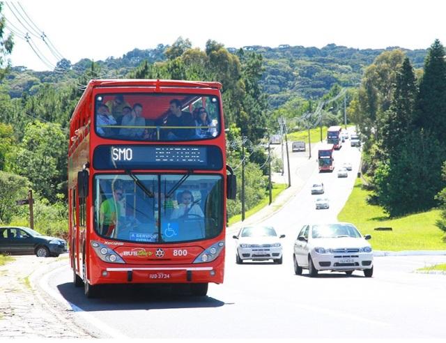 Bustour leva aos pontos turísticos de Gramado e Canela