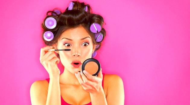 Mulher e maquiagem